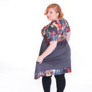Vestido de manga corta con original estampado