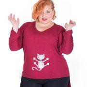 Camiseta pintada a mano con original dibujo de gato